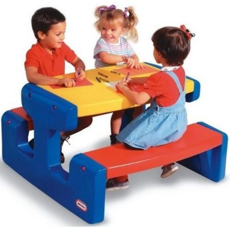 Masuta copii Little Tikes Picnic Albastra cu 4 Locuri, din plastic si colorata
