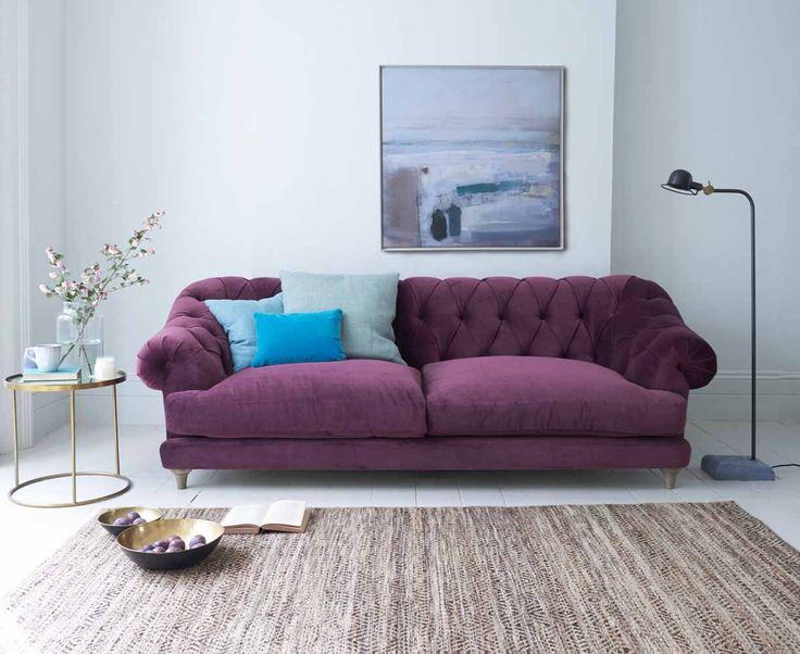 Cele mai noi modele de canapele mov sau lila, pentru living - fixe, extensibile sau coltar?