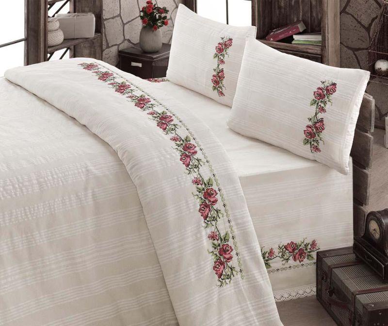 Lenjerii de pat cu motive traditionale romanesti - top recomandari